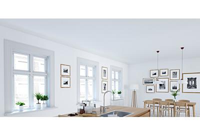 moderne Fenster strahlen in der Küche