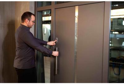 Sicherheit erhöhen, Kosten sparen: Die Vorteile moderner Haustüren